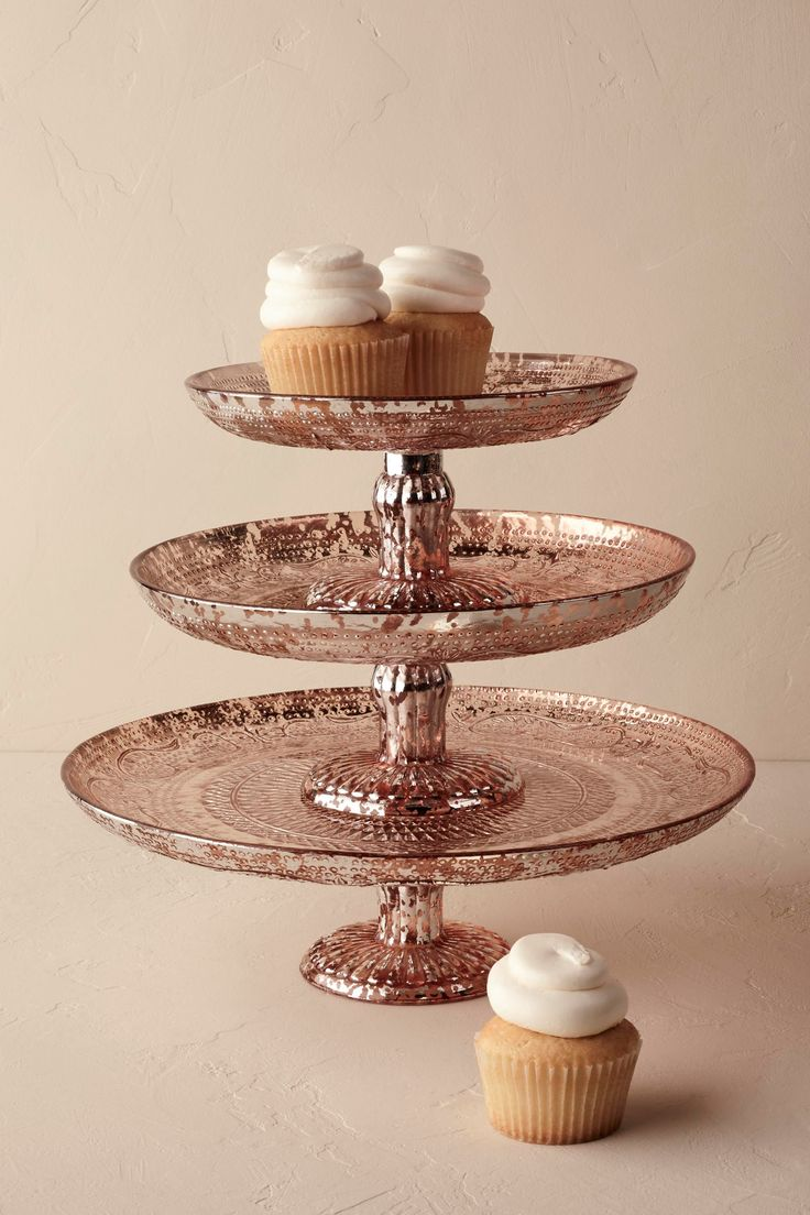 Decorative Cake Stands 17 Best Ideas About Gold Cake Stand On Pinterest Gold Dessert