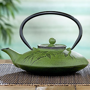 Green Cast Iron Teapot, that one accent piece in the kitchen that makes it unique
