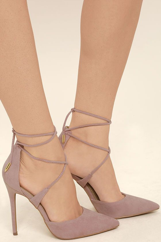 Everyone could benefit from the chic style that the Dani Dusty Pink Suede Lace-Up Heels bring! Velvety vegan suede is formed to an unstoppable pointed toe upper, sturdy heel cup, and lace-up vamp with gold aglets.