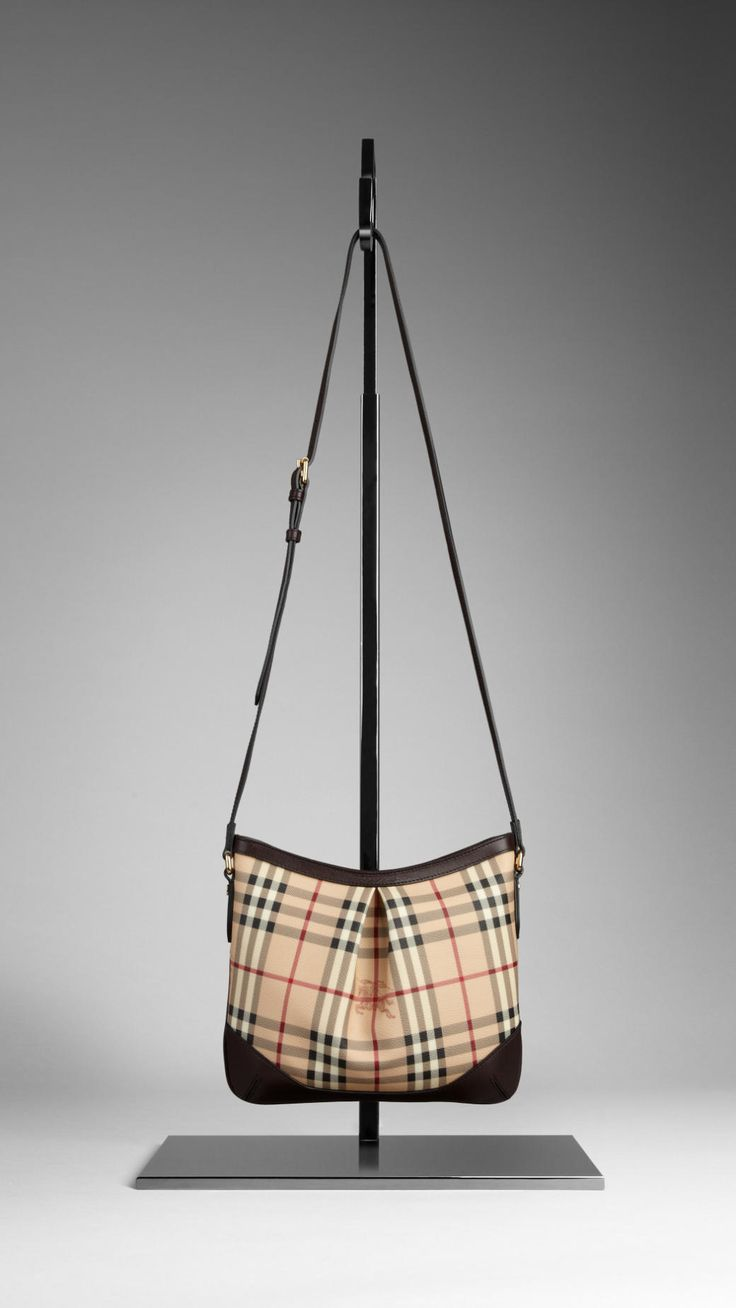 Love this Burberry bag! A must have!!!