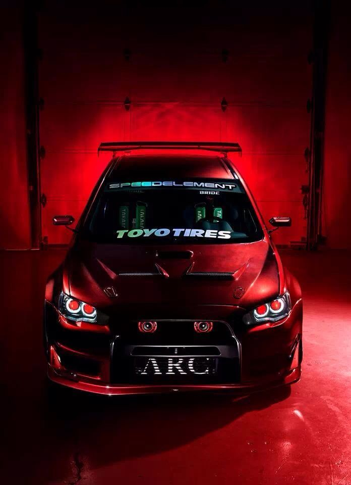 Mitsubishi Lancer Evolution X  Love the lights