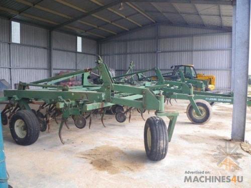 John Shearer Universal Cultivator - http://www.machines4u.com.au/browse/Farm-Machinery/Planting-Seeding-Tillage-194/