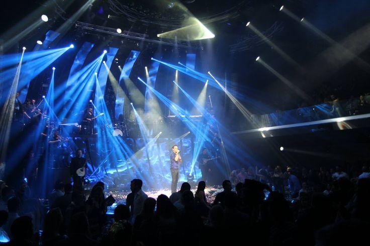 ΚΕΝΤΡΟ ΑΘΗΝΩΝ ΝΙΚΟΣ ΒΕΡΤΗΣ Μαζί του η ΕΛΕΝΗ ΦΟΥΡΕΙΡΑ !! ΔΥΝΑΤΑ ΚΑΙ ΑΥΤΟ ΤΟ ΣΑΒΒΑΤΟΚΥΡΙΑΚΟ !!! #kentroathinon #kentro_athinon #nikosvertis #nikos_vertis #live #instaphoto #livemusic #music #beautiful_people #greek_socialmedia @nvertis @gr_social_media Nikos Vertis @nikosvertisofficial @haris_sianidis #kentroathinon #kentro_athinon