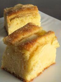 Bouchées moelleuses aux pommes par Christelle : Une recette de gâteau à la texture fondante que je tiens de ma maman..Ingrédients : pomme, crème liquide