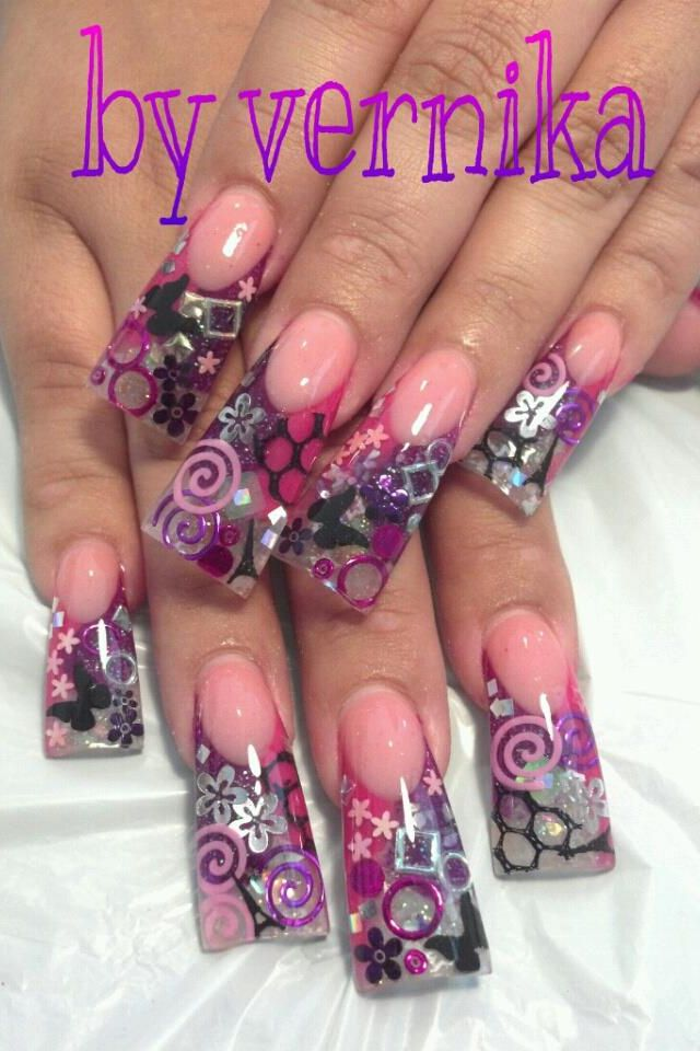 Nails. I love all the random junk in them - Best 25+ Junk Nails Ideas On Pinterest Pretty Nails, Black Gold