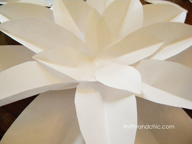 Thrifty and Chic: paper flowers