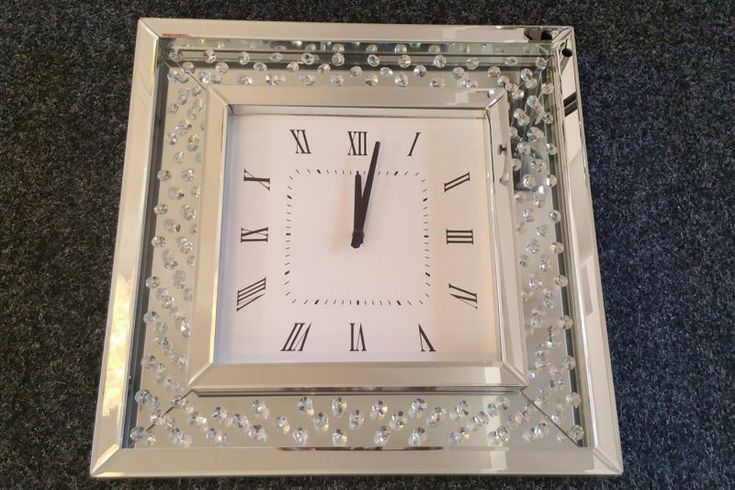 Luxusné hodiny na stenu ZEGAR CRYSTAL. Luxury wall clock with mirrors and crystals.