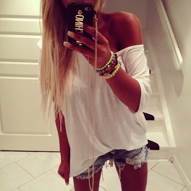 White top #DressingwithBarbie!