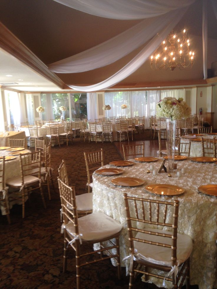 Venues may recommend vendors but make sure to ask if you can use your own.  Real Wedding: Bonaventure Country Club