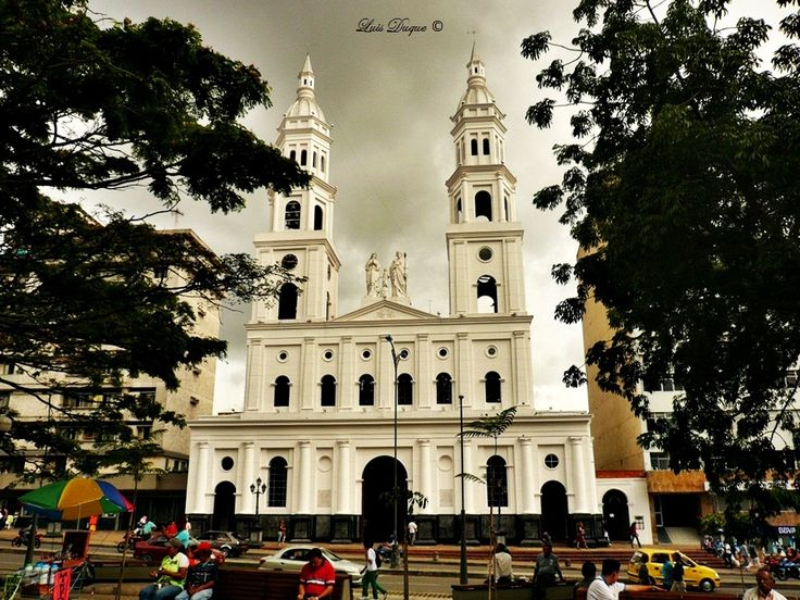 catedral de la sagrada familia bucaramanga, colombia   Catedral La Sagrada Familia, Bucaramanga, Santander, Colombia