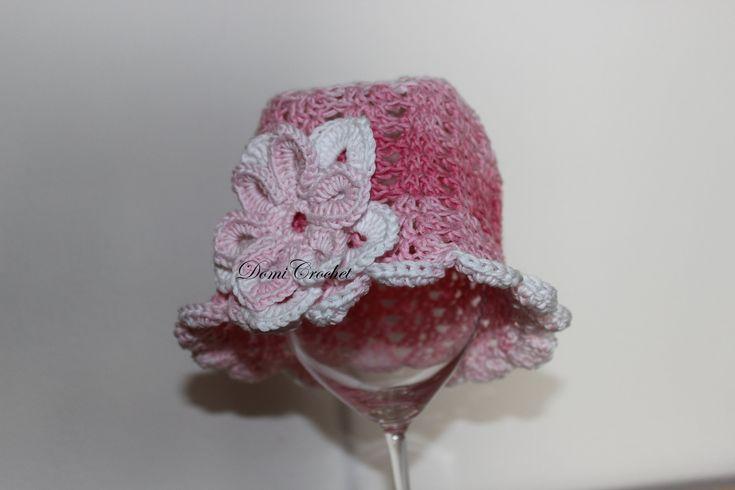 Háčkovaný detský klobúčik