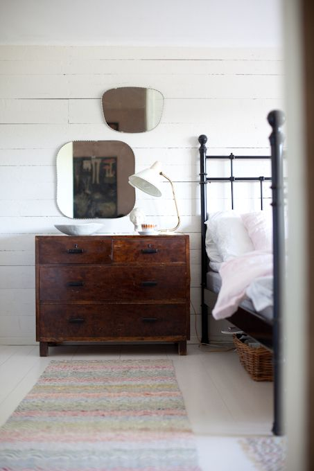 Grouping vintage mirrors  above a fab chest...mix with a fab vintage bed frame....='s wow space!!