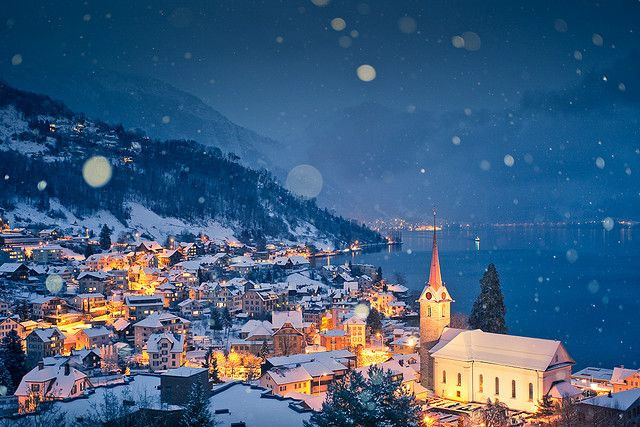 Dream destination: Weggis, Switzerland. Does this not look like the quintessential Christmas town? <3