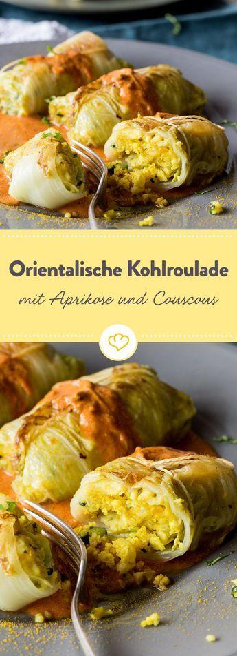 Nicht nur vegetarisch, sondern auch noch exotisch: Kohlrouladen mit einer Füllung aus Couscous, Cashewkernen und Aprikosen in Tomatensauce.