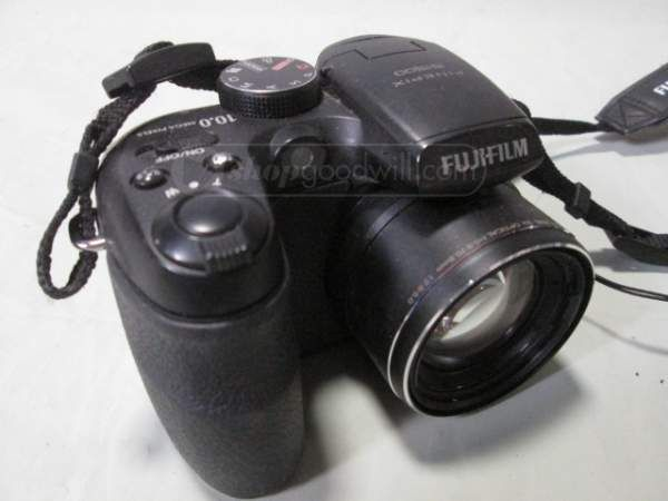 shopgoodwill.com: Fujiilm Finepix S1500 Digital Camera