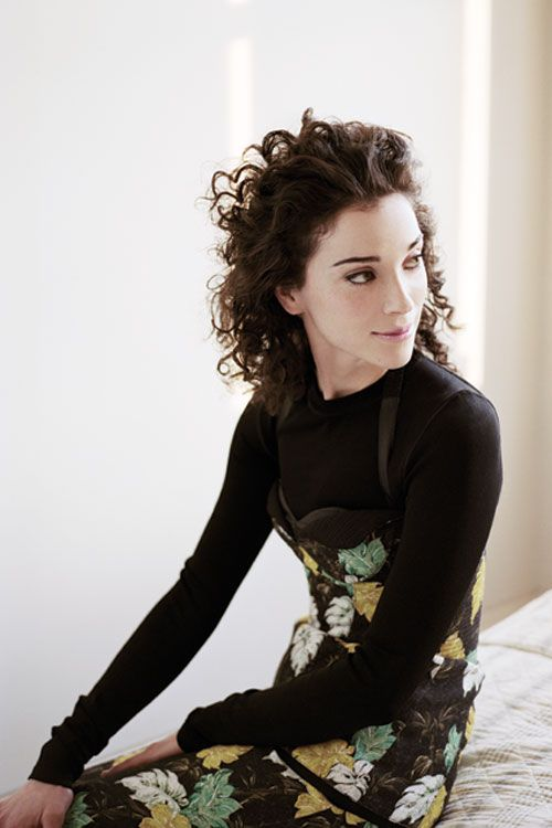 Annie Clark sporting longer hair - an idea if I grow mine out again.