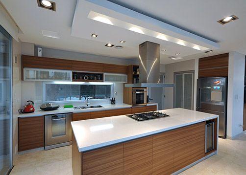Alberto González + Asociados Arquitectos / Casa estilo actual - PortaldeArquitectos.com