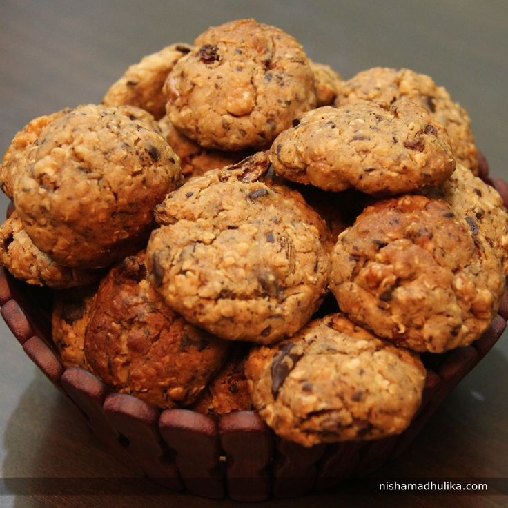 Honey oat cookies are crisp and delicious cookies. It is relished by not only kids but by youngsters also. Recipe in English - http://indiangoodfood.com/1406-honey-oat-cookies-recipe.html (copy and paste link into browser)
