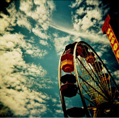The Disturbing Beauty Of Oversaturated Pictures and Lomography | Smashing Magazine  #lomography
