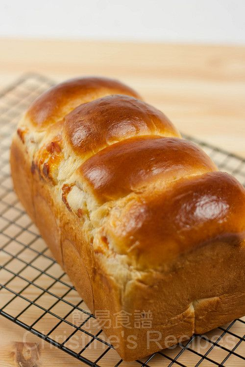 Japanese Style Bacon and Cheese Bread (Tangzhong Method 湯種法) from Christine's Recipes