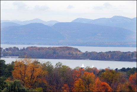 Burlington, Vermont bursts into life during the fall. Built along a terraced hill, it's Vermont's largest city and offers incredible views of the Adirondacks, Lake Champlain and Shelburne Bay.