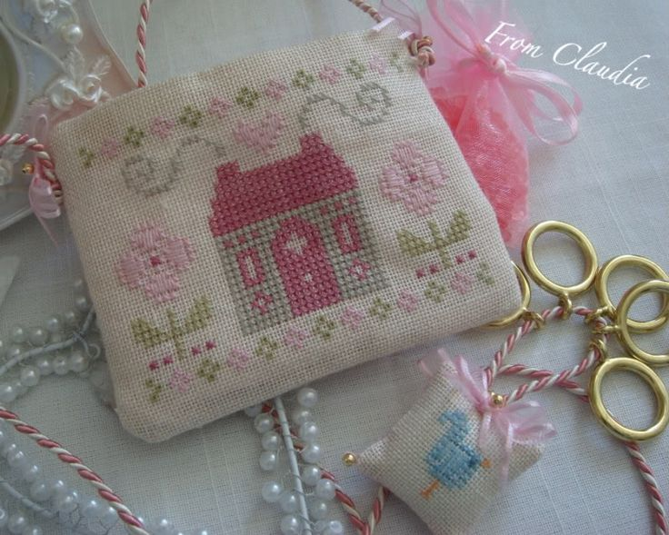 Sewing bag and floss fob