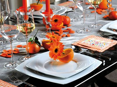 Tafel zetten grijs - oranje combinatie