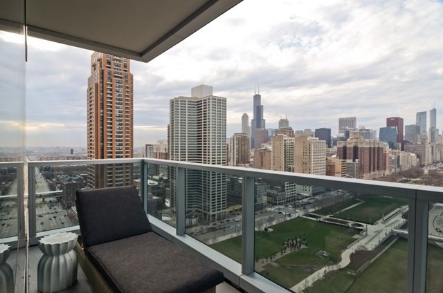 25 best images about city balconies on pinterest balcony for Apartment balcony privacy solutions