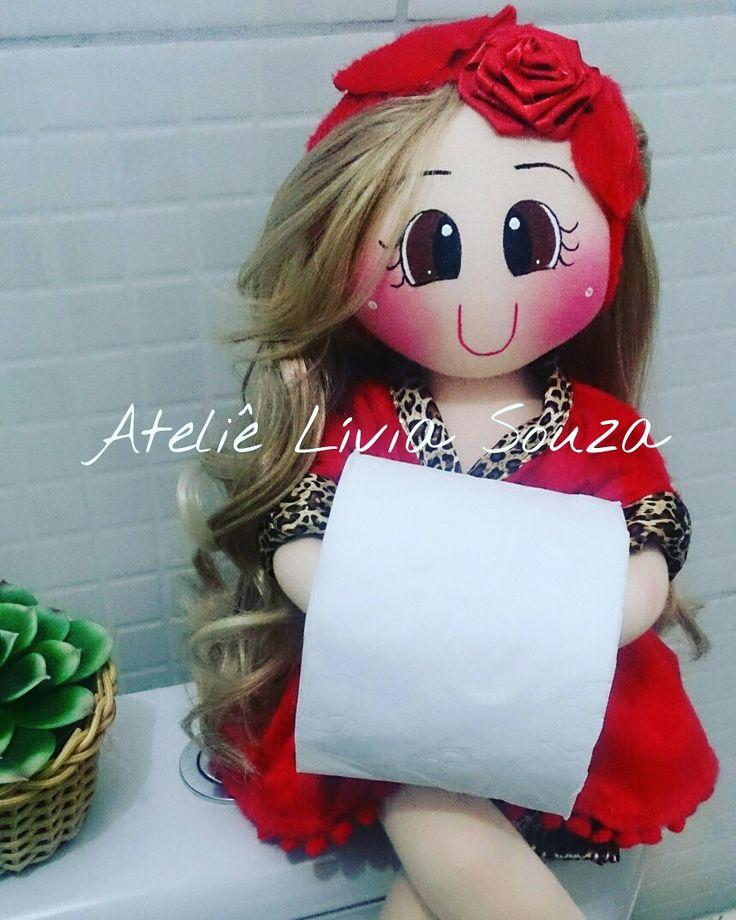Boneca porta papel higiênico Www.facebook.com/AtelieLiviaSouza