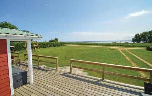 Holiday home Stavreby Strandvej Pr�st� Pr�st� Holiday home Stavreby Strandvej Pr?st? is located in Pr?st? and can accommodate up to four persons.  The three-bedroom accommodation will provide a TV, a terrace and a seating area.The kitchen comes fully equipped with a dishwasher and a...