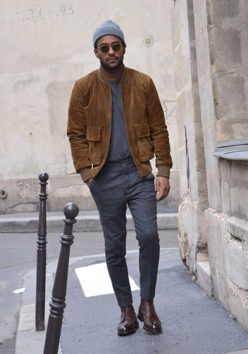 Street Style. Autumn. Simple. Relaxed. Grey & Brown. Great Bomber. Jacket. Slim. Fit. Men. Trend. Outfit. Fashion. Clothing. Tee & Cap. Boots. Clean.