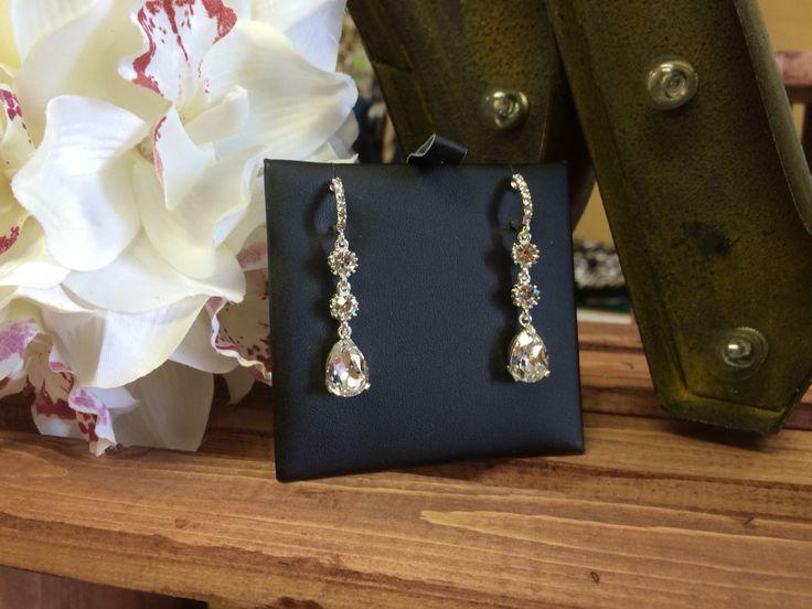 Crystal earrings #bridal #bling #wedding #crystal #dominiquebridal.ca