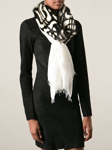 Shoppen Cutuli Cult 'Degas' scarf von  aus den weltbesten Boutiquen bei farfetch.com/de. In 300 Boutiquen an einer Adresse shoppen.