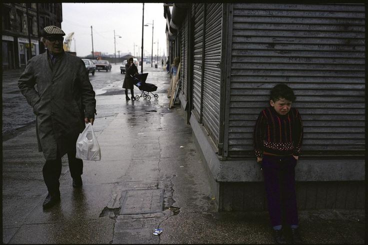 The Slums of 1980s Glasgow Through the Lens of a French Photographer | VICE | United States