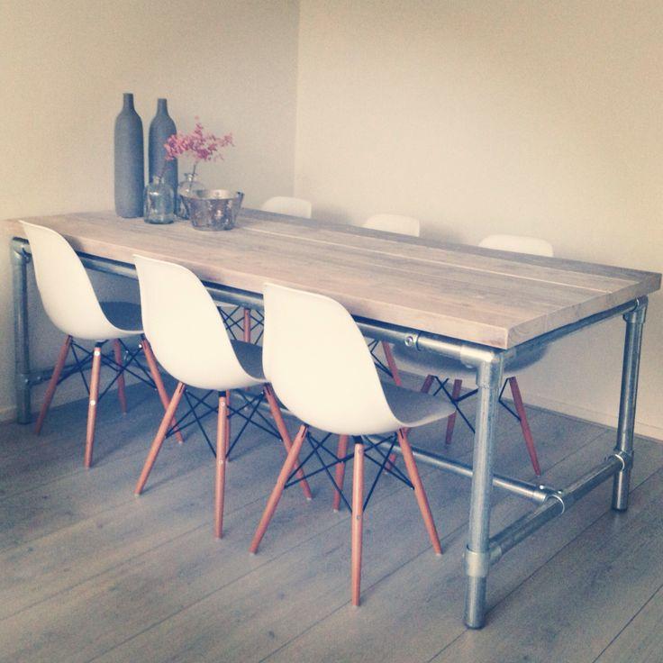Eettafel #steigerhout #steigerbuizen