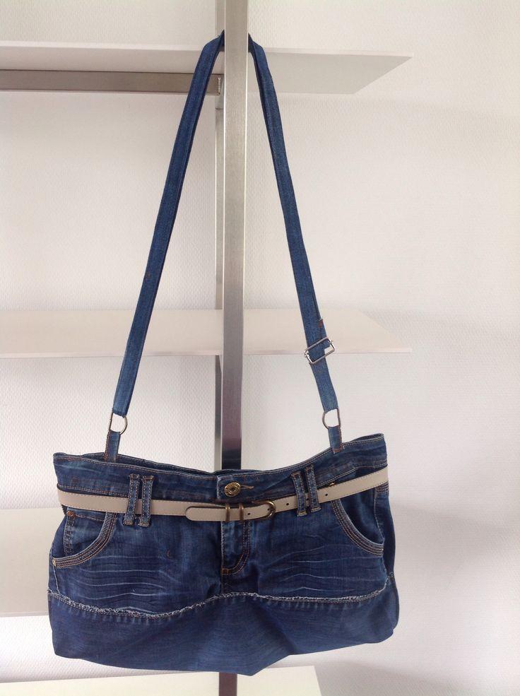 Jeans tas, lekker groot formaat.