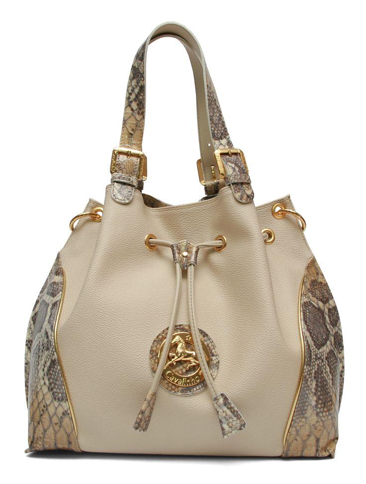 Um dia cheio de alegria com uma mala Cavalinho! A day filled of joy with a Cavalinho handbag! Ref: 1100108