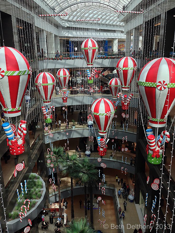 Holiday Display at Costanera Center - Santiago chile