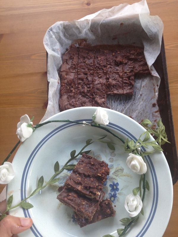 Whilst recipe testing a few months back I whipped up a few things together and came up with this… the best chocolate oat slice in the world....