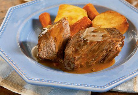 Mmm ... my ultra-easy, ultra-crowd pleasing slow cooker roast beef.
