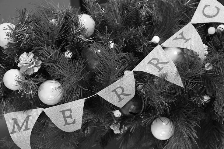 Bunting makes a modern change to your Xmas tree
