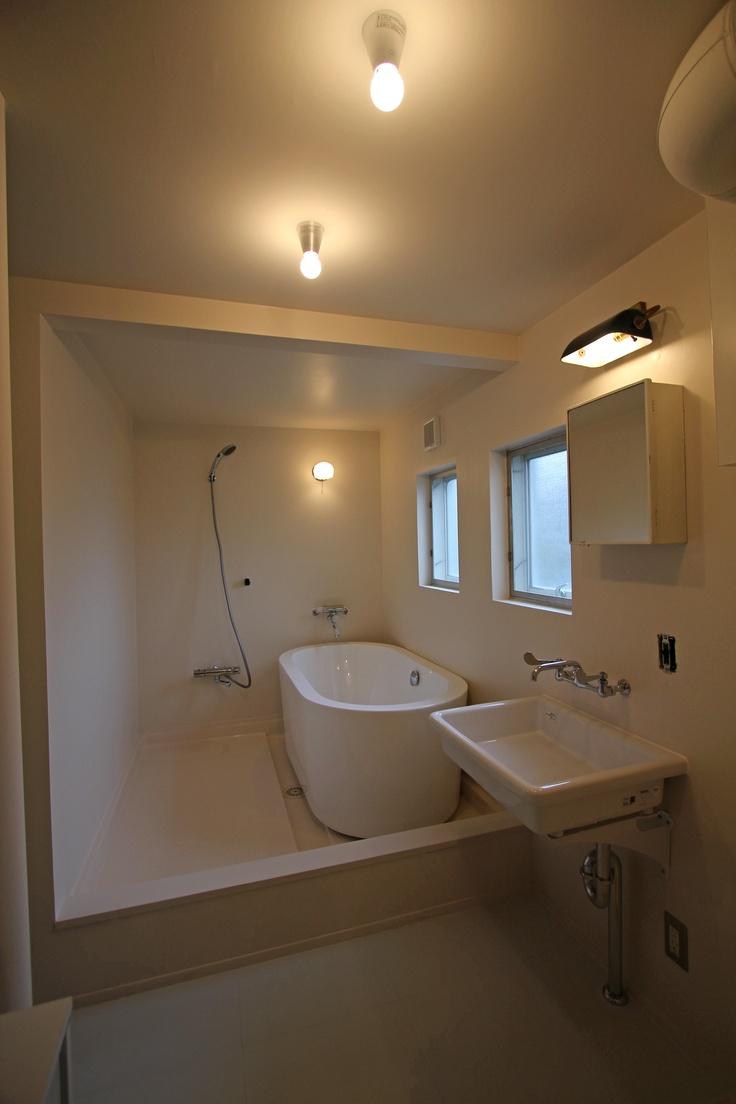 バスルーム_浴槽_置き型_実験用流し_浴室