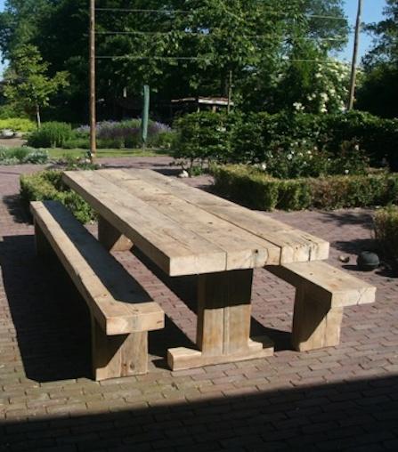 Tuintafel constructiebalken - Houtcooperatie 's Heerenbroek