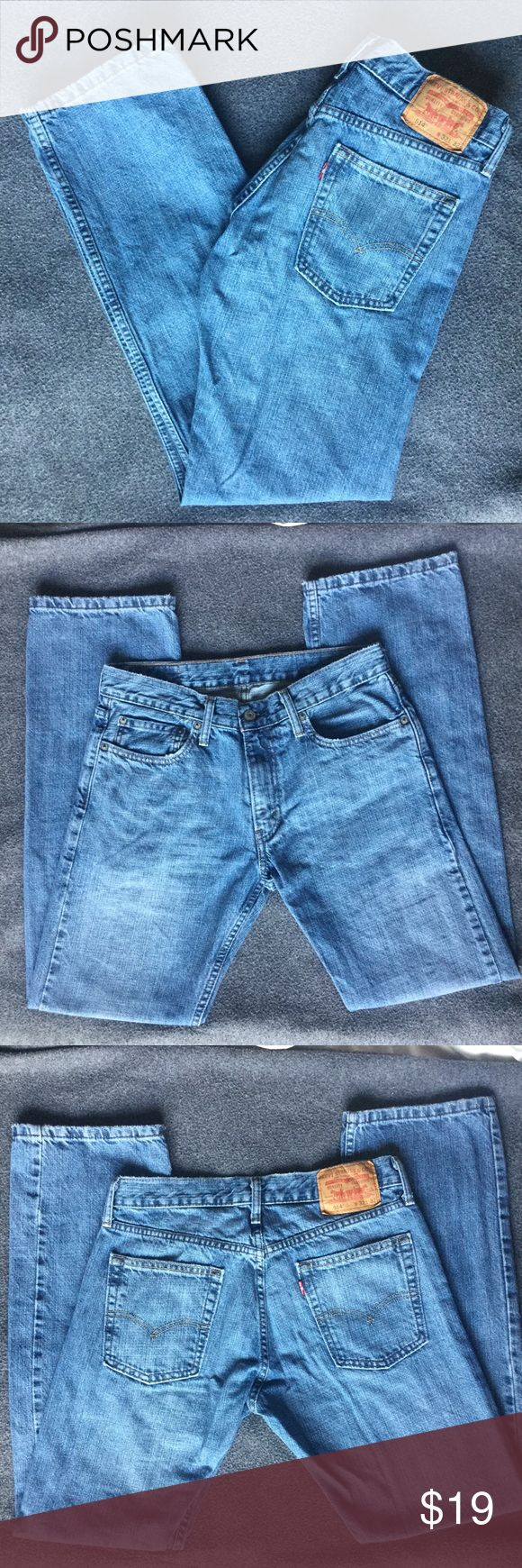 """Levis 514 Slim Straight Jeans Washed Mens Sz 32x32 Levi's 514 Jeans in excellent condition. Only small flaws found on front pockets and bottom of legs (see pictures, they actually give the jeans some """"character"""" lol). Men's size 32 x 32. 100% Cotton. Machine wash. Blue denim color, moderately washed. Remember to bundle up and save more, so check my closet for more hidden treasures! Levi's Jeans Slim Straight"""