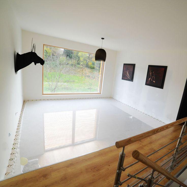 Le filet d'habitation vous permet de créer un espace suspendu dans votre maison, avec une esthétique contemporaine, tout en laissant passer la lumière.