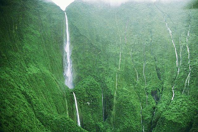 Honokohau-Falls