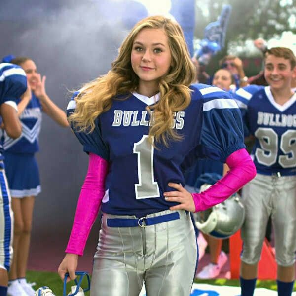 "MEET THE NEW QB! 'Bella Dawson' played by actress Brec Bassinger! Nickelodeon's new tv show ""Bella & The Bulldogs coming in January 2015 on Nickelodeon! I can't wait!!!!"