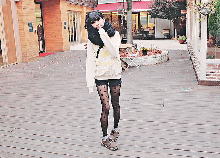 #Kfashion #Simple #Winter #Sweater #tights