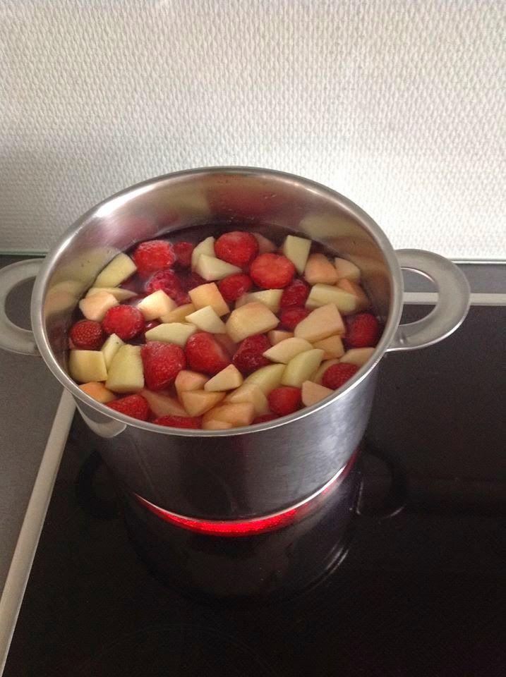 Carina's: Hindbær/jordbær/æble saft !