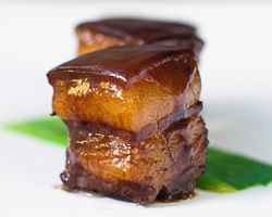 Braised Pork Belly with Soy Sauce Pork (Tau Yew Bak)